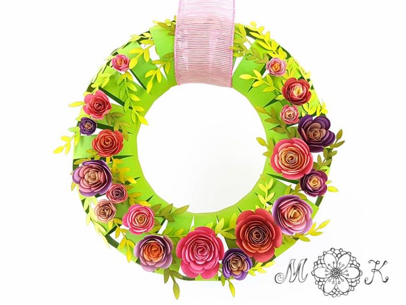 DIY 3D-Kranz frontal - gefertigt mit Plotterdatei Kranz (SVG) // dekoriert mit Spiralblumen und Blättern