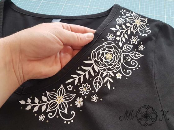 Plotterdatei Blumenranke mit Strass auf T-Shirt