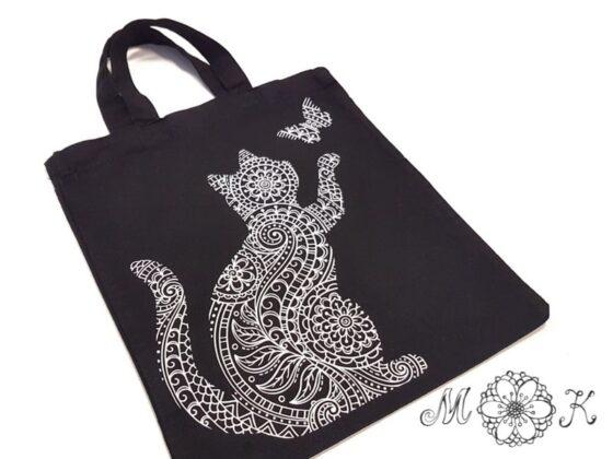 Plotterdatei Katzen-Doodle aus weißer Flex-Folie auf schwarzer Baumwoll-Tasche