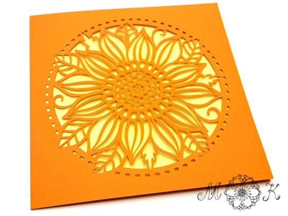Plotterdatei Faltkarte quadratisch mit Blume - umgesetzt in orange und gelb