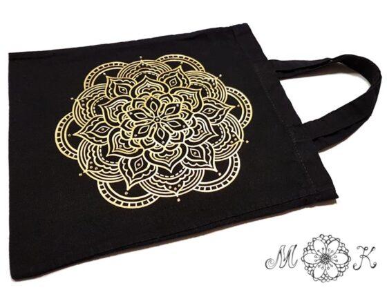 Folienmotiv Mandala mit Strass in gold auf schwarzer Baumwolltasche