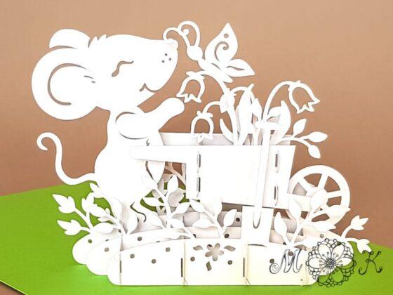 Pop-up-Karte Gartenarbeit - Maus mit Schubkarre - offen von hinten