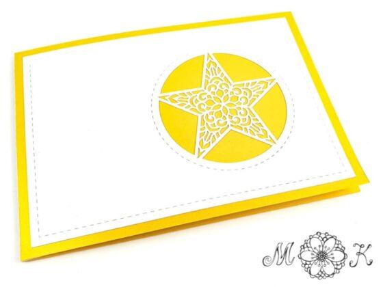 Weihnachtsbaum-Pop-up-Karte äußere Deckseite mit filigranem Stern